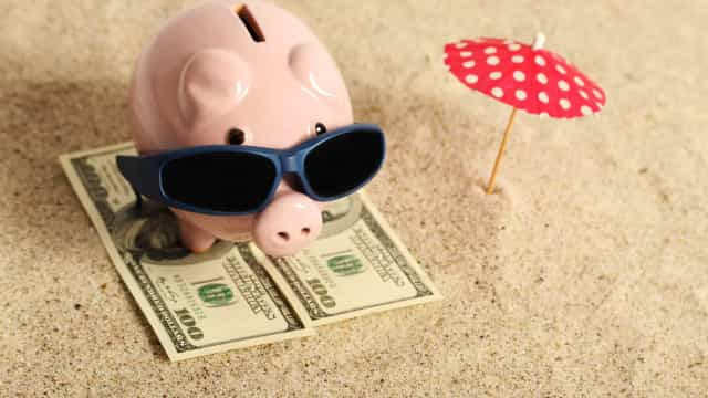 How to prepare your bank account for summer holidays