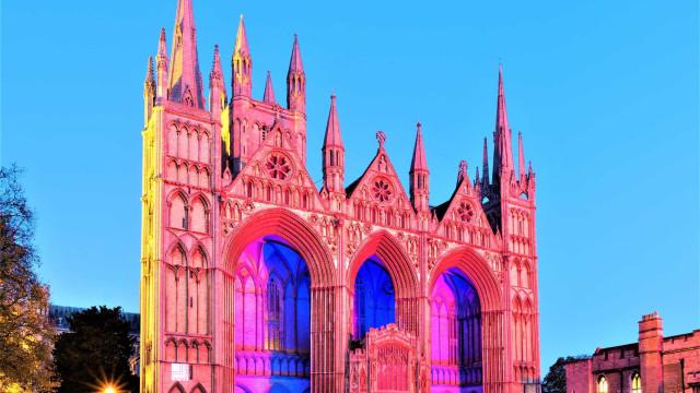 Englands mäktiga katedraler