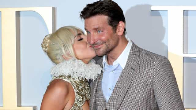 Ex-esposa de Bradley Cooper comenta química do ator com Lady Gaga