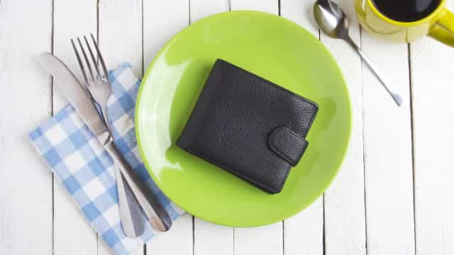 Hoe je portemonnee je dieet in de weg zit