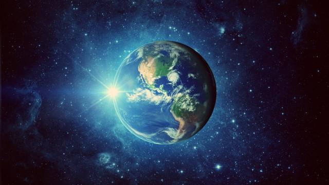 Hier bekijk je de aarde vanuit de ruimte