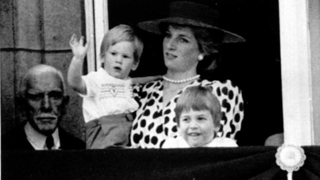 Wordt de aanstaande royal net zo'n rebel als vader Harry?