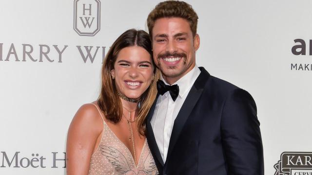 Cauã Reymond marca data de casamento com Mariana Goldfarb