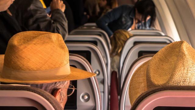 De grootste irritaties in het vliegtuig