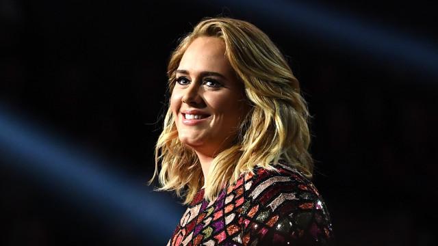 Adele procura novo amor em 'Tinder para milionários'