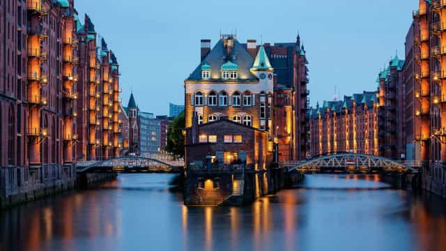"Here's to Hamburg, Germany's ""Gateway to the World"""