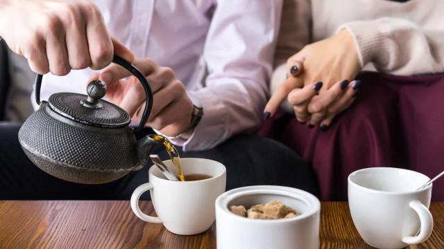 Kun je te veel thee drinken?