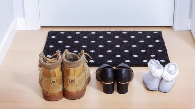 Suomi ei ole ainoa maa, jossa on kohteliasta riisua kenkänsä sisätiloissa! Katso muut maat