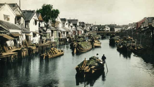 The oldest photos of major cities