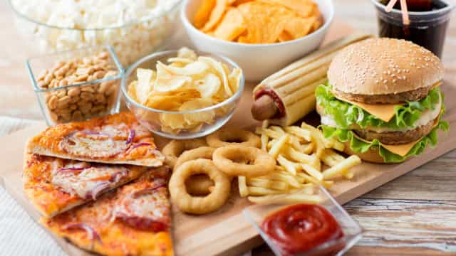 What happens to your body when you eat junk food