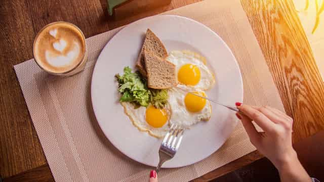 Warum essen wir bestimmte Lebensmittel nur zum Frühstück?