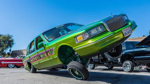 Classic cars get the lowrider treatment