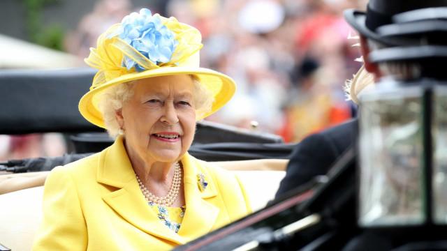 Britannian kuninkaallinen perhe laukkakilpailussa