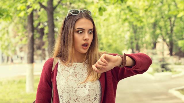 Leven mensen die altijd te laat komen langer?