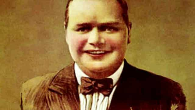 """Roscoe """"Fatty"""" Arbuckle ja skandaali, joka vavisutti Hollywoodia"""
