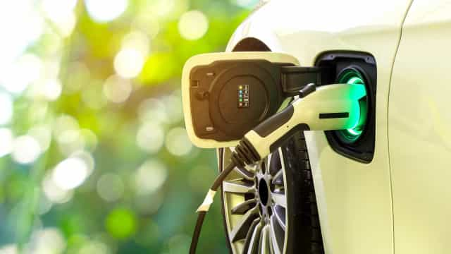 The pros and cons of buying an electric car