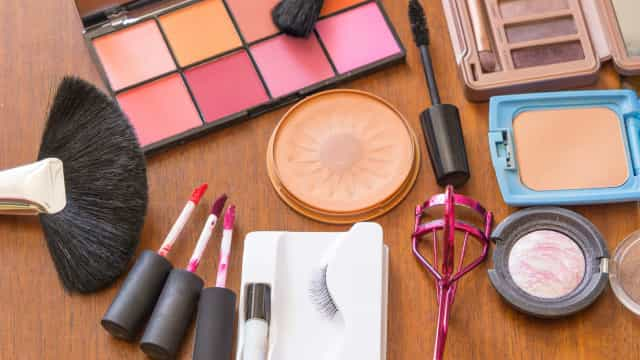 Are you using expired makeup? Here's when to toss it