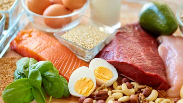 30 desayunos ricos en proteínas que te harán la boca agua