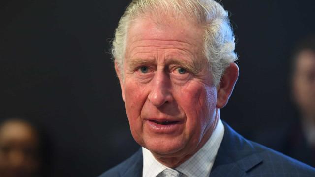 Prinssi Charles ja muut kansainväliset julkkikset, joilla on vahvistettu koronavirustartunta