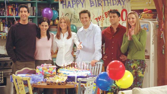 El elenco de 'Friends' y otros famosos que celebran subastas contra el coronavirus