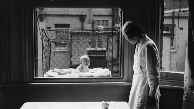 Baby's in kooien en opiumsiroop: bizarre ouderschapsadviezen uit de negentiende eeuw