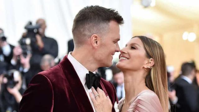 Dia do Beijo: os momentos românticos das estrelas!