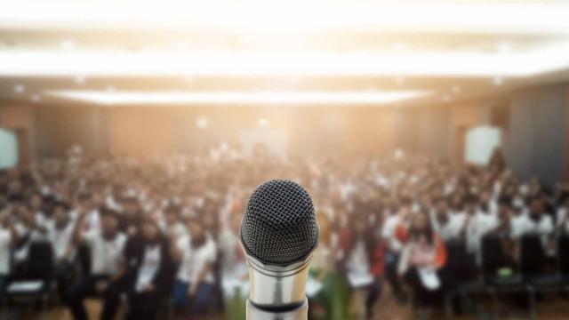 Zo overwin je je angst voor spreken in het openbaar