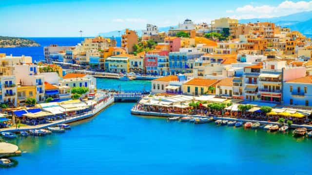Discover Crete without leaving your seat
