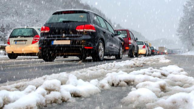 Sicher Autofahren im Schnee