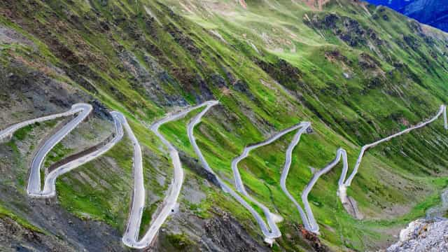The world's scariest hairpin roads
