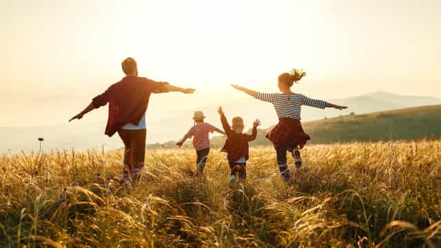 Signs you were raised by helicopter parents