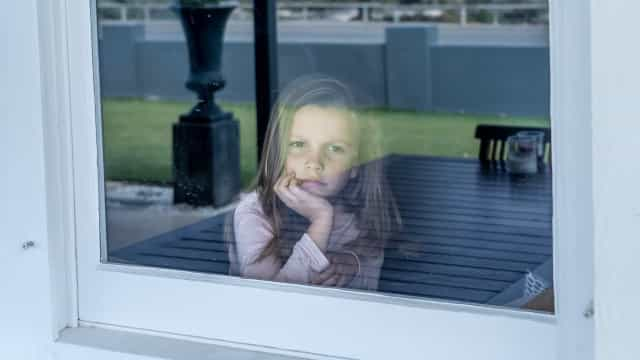 Como a pandemia está a afetar as crianças e como ajudá-las