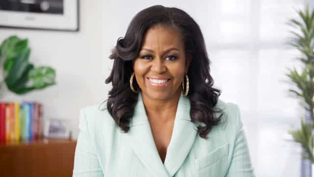 Michelle Obama and other crafty celebrities who knit