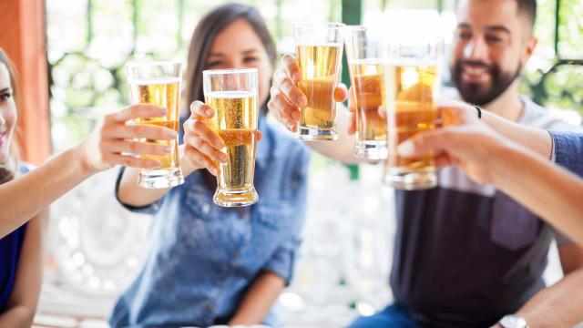 Kwade dronk of blije dronk? Dat zit zo
