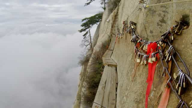 The world's most dangerous hikes