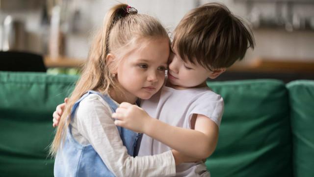 Tips på hur du fostrar medkännande barn