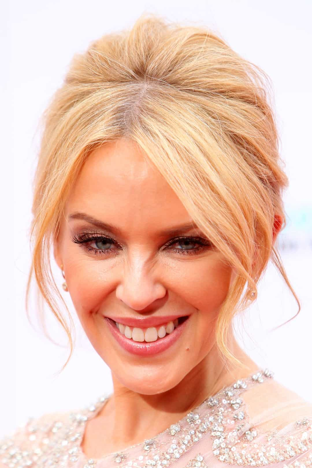 30 beautiful and single Hollywood celebrities