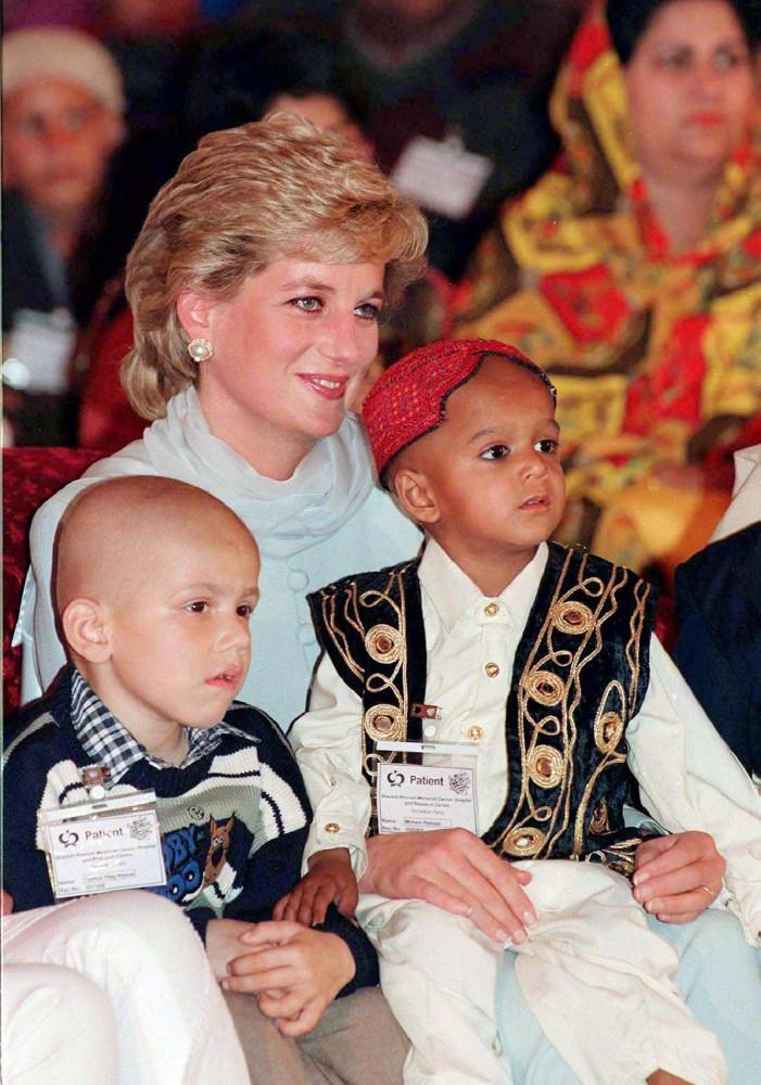 Relembre a vida de Lady Diana em fotos