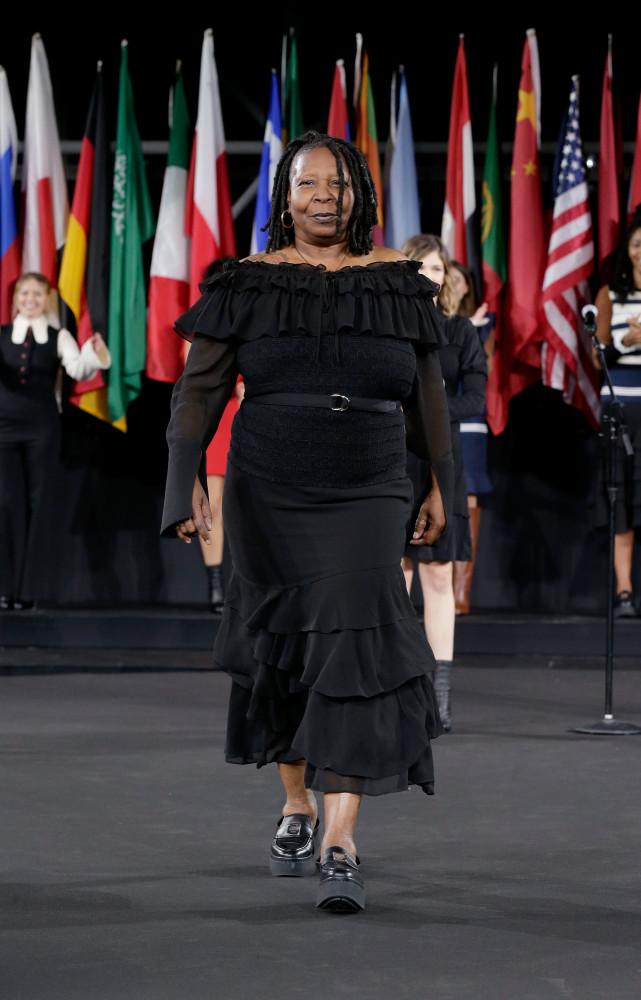 Model voor een dag: celebs op de catwalk