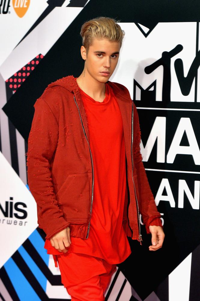 24 jaar Justin Bieber: geheimen, schandalen en exen