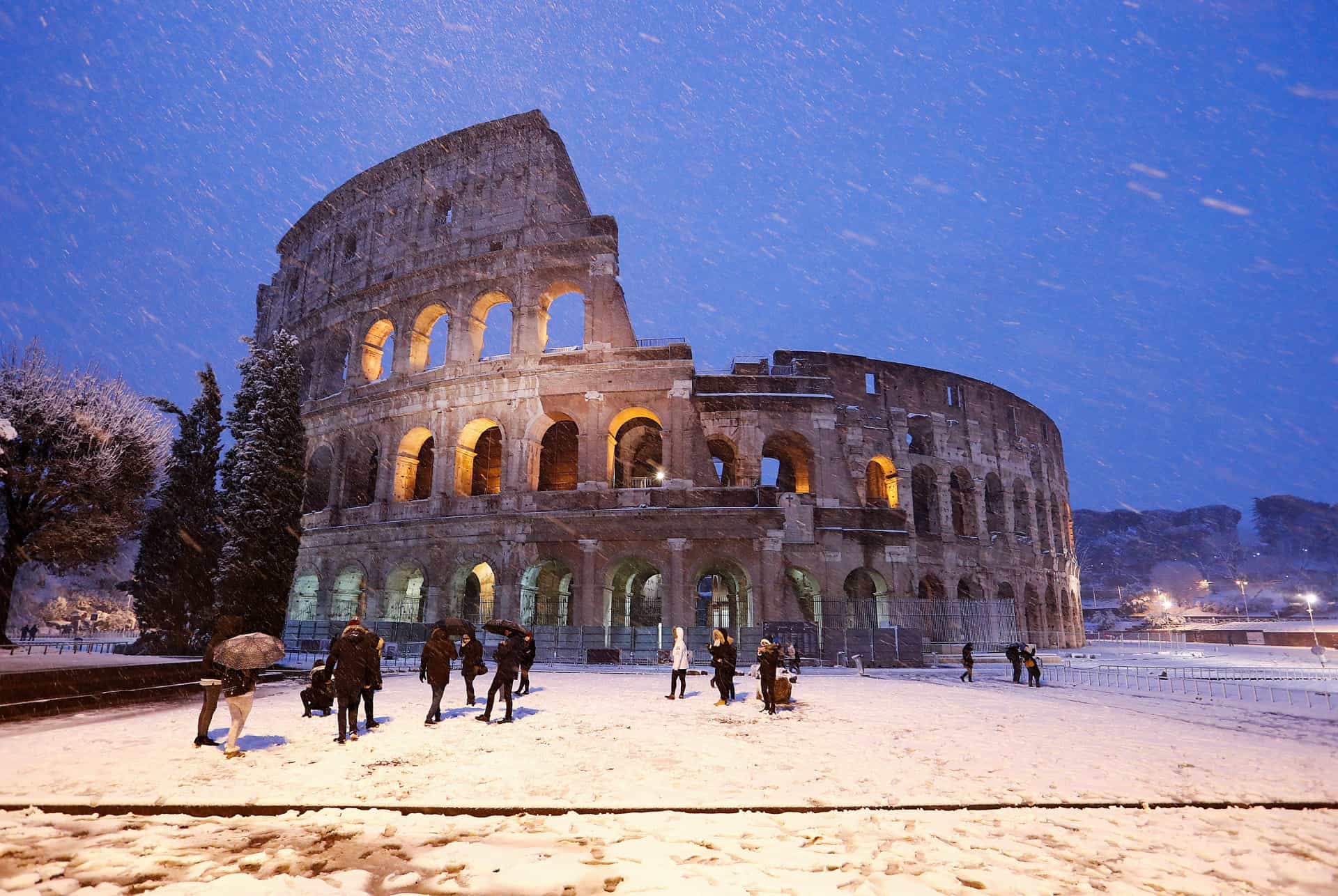 This is how the world's biggest tourist attractions look during winter