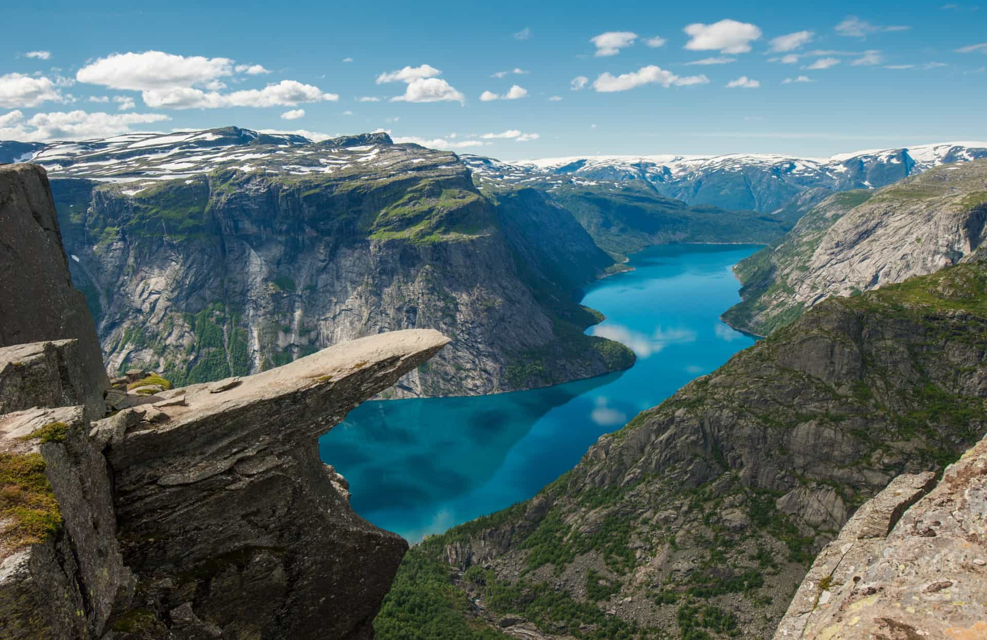15 jaw-dropping coastlines and cliffs around the world