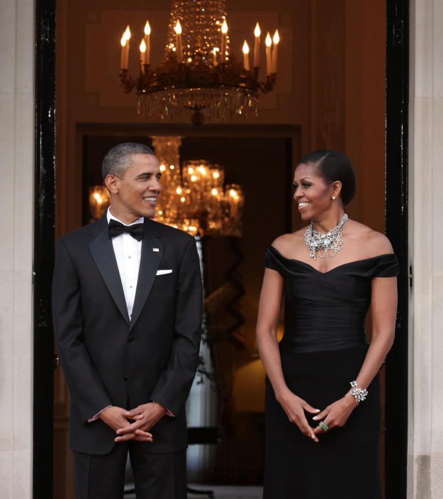 Celebridades que já repetiram roupas em eventos importantes