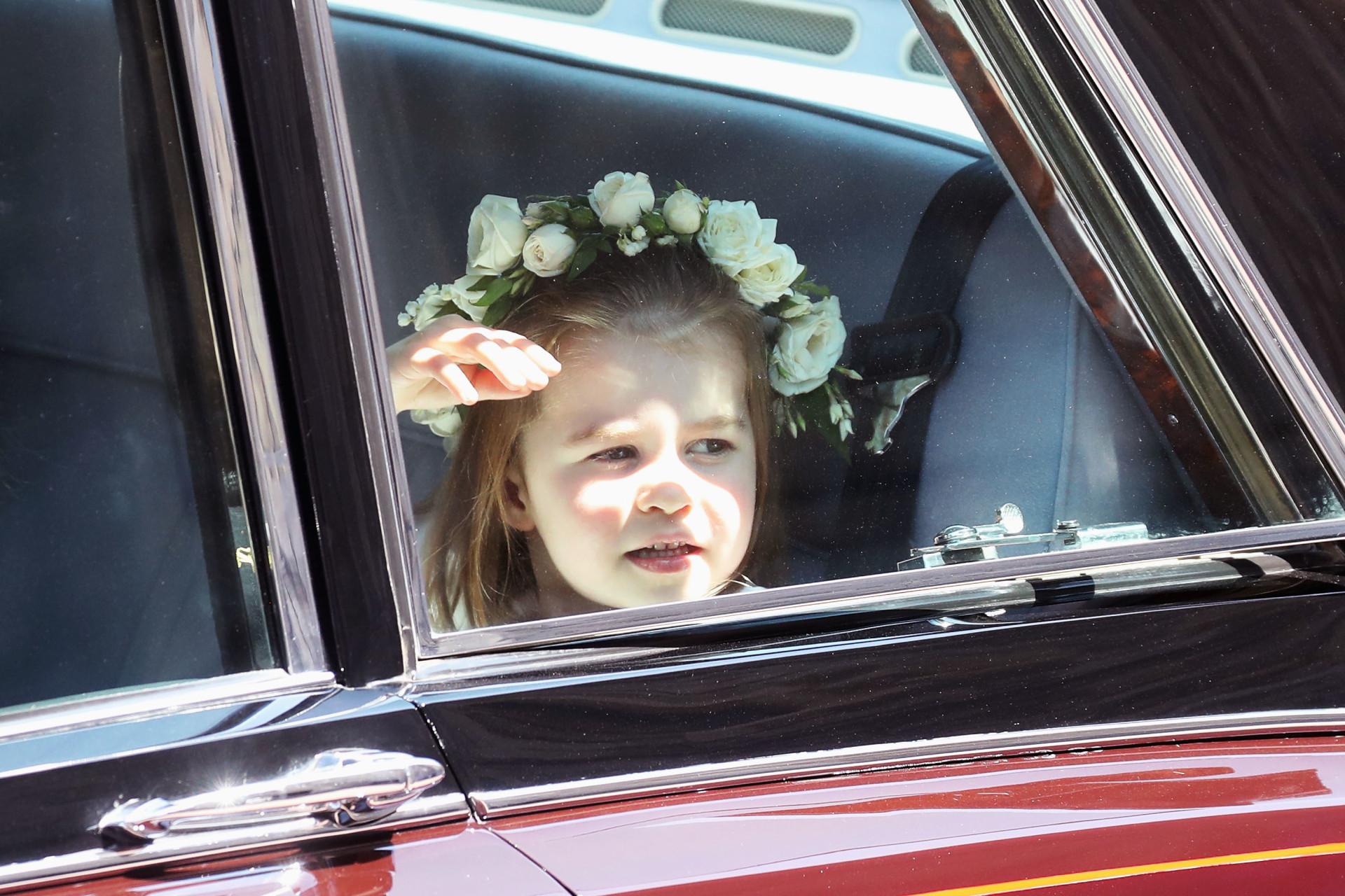 Alle de sjove hovedbeklædninger fra det kongelige bryllup