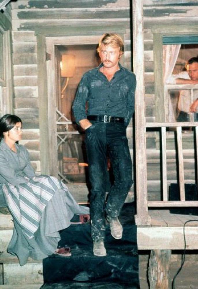 Denim shirt on Robert Redford in THREE DAYS OF THE CONDOR