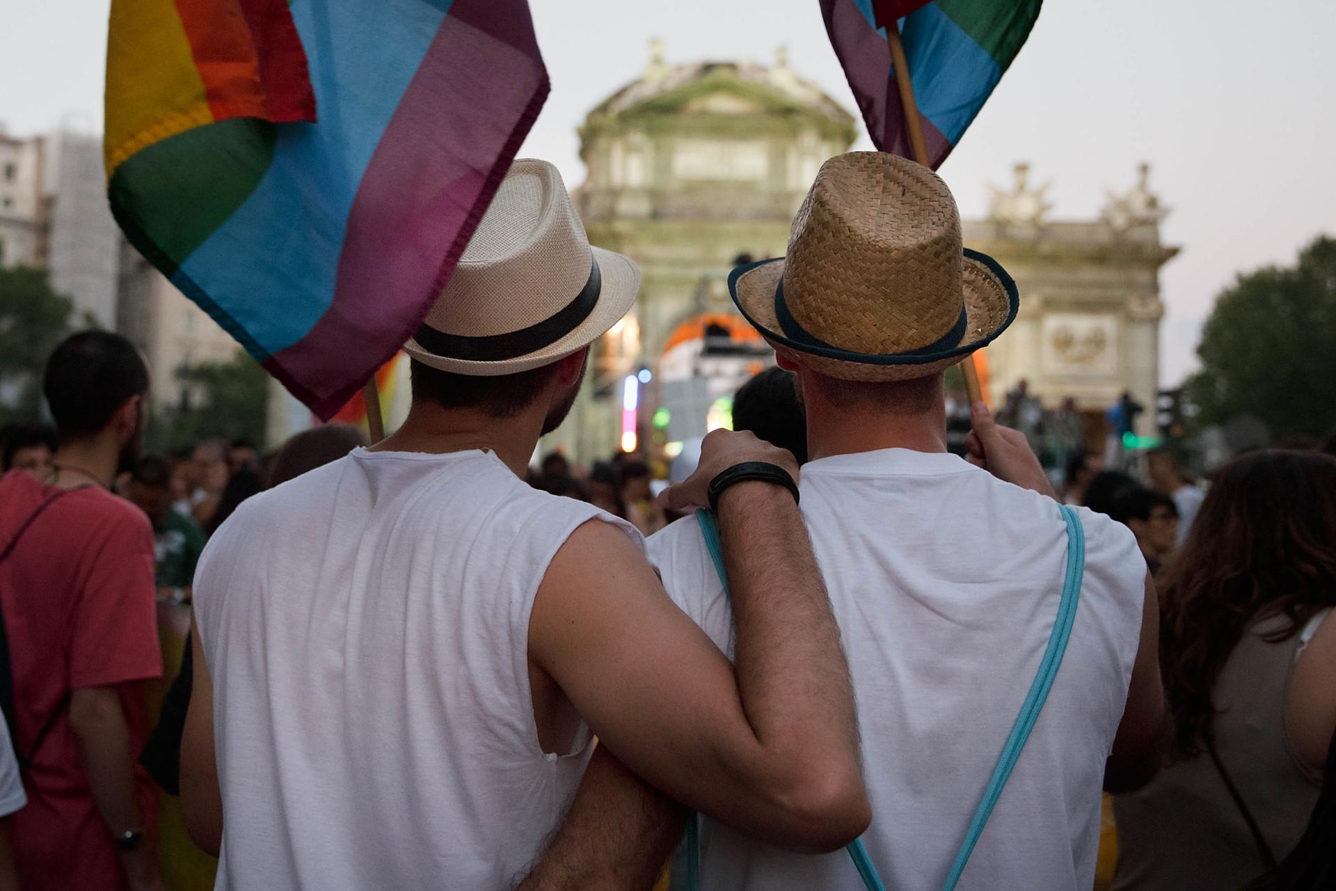 Ingeniosos YouTubers y asociaciones LGBT de Latinoamérica