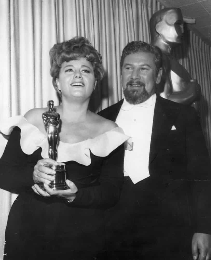 Flashback Friday: iconic photos from Oscars past