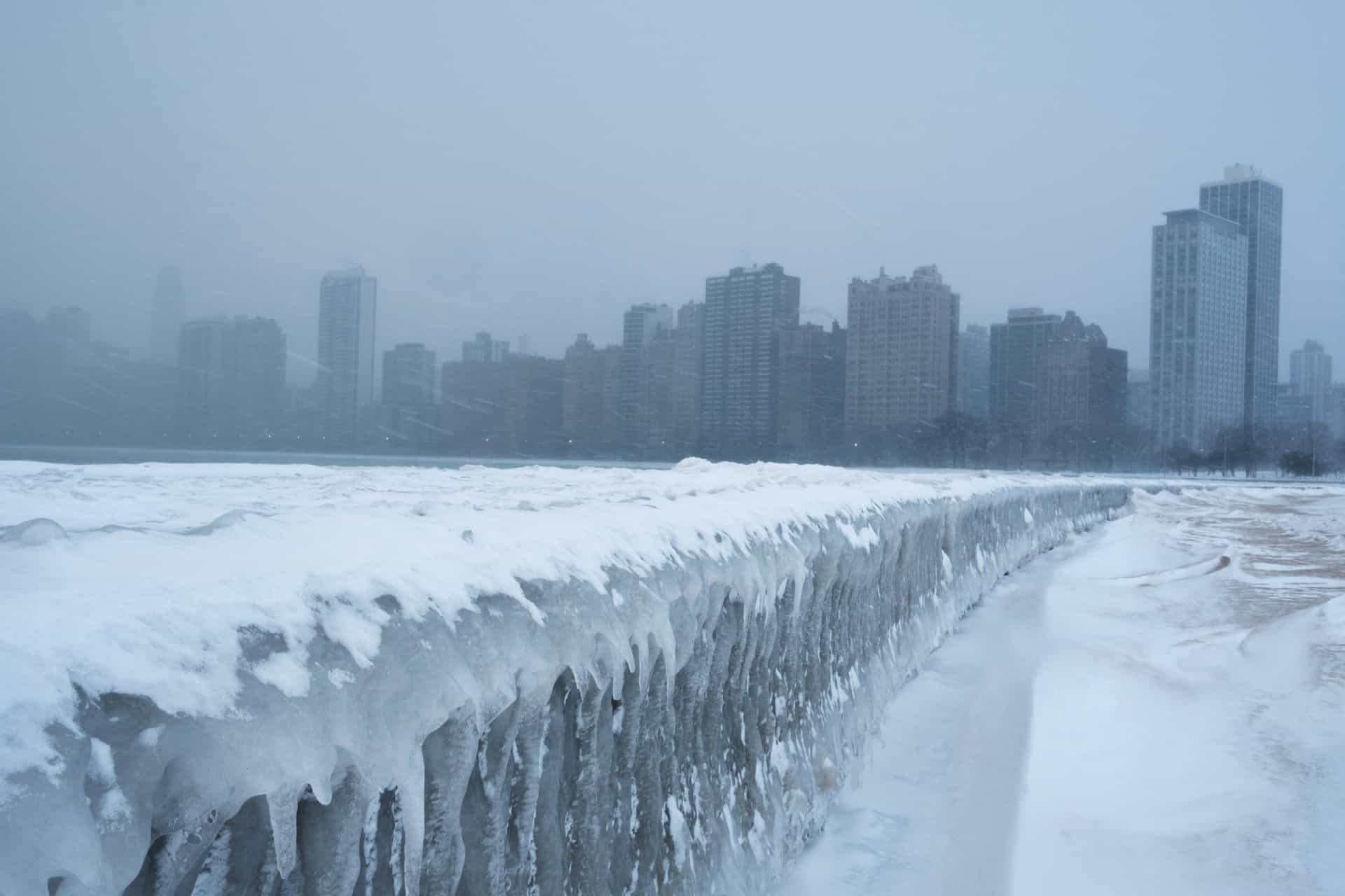 Stunning pictures of the polar vortex in the US