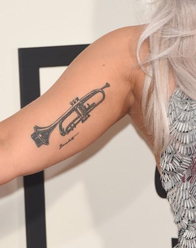 Van tattoo ter ouders ere Herdenkings tattoo: